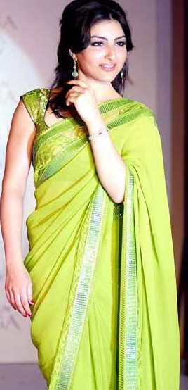 soha-ali-khan-green-sari-launch-of-titans-raga-diva-1.jpg