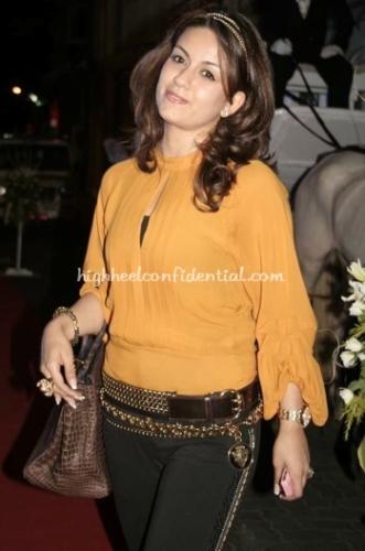 natasha-sharma-jooal-jewelry-launch-orange-top-chocolate-birkin-bag-11.jpg