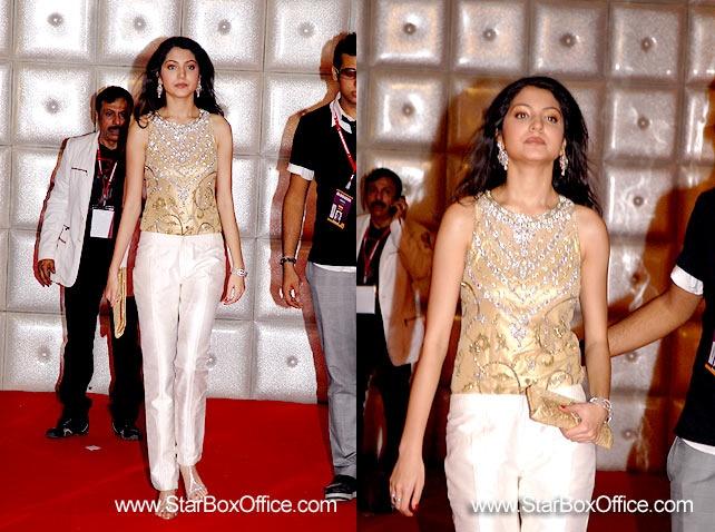 anushka-sharma-star-screen-awards.jpg
