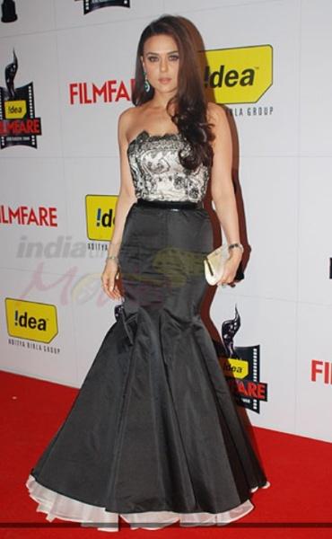 preity-zinta-filmfare-awards-2009-gown.jpg