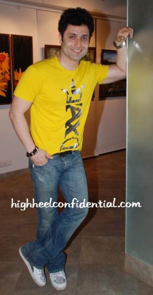 shiney-yellow-shirt.jpg
