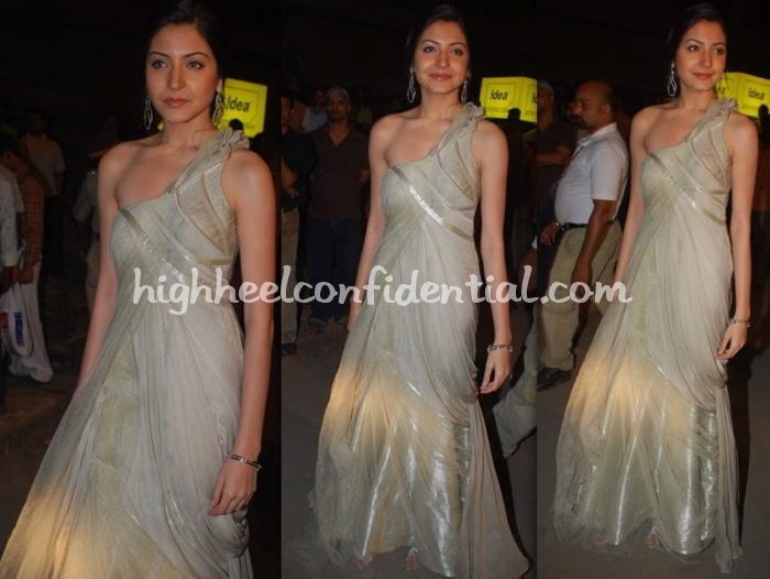 anushka-sharma-filmfare-awards-20091.jpg