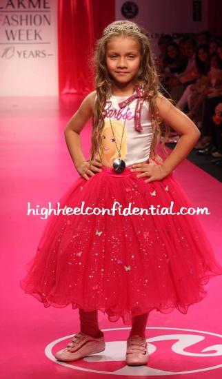 chanel-robinson-barbie.jpg