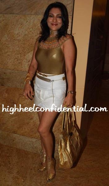 aarti-surendranath-lakme-fashion-week-gold.jpg
