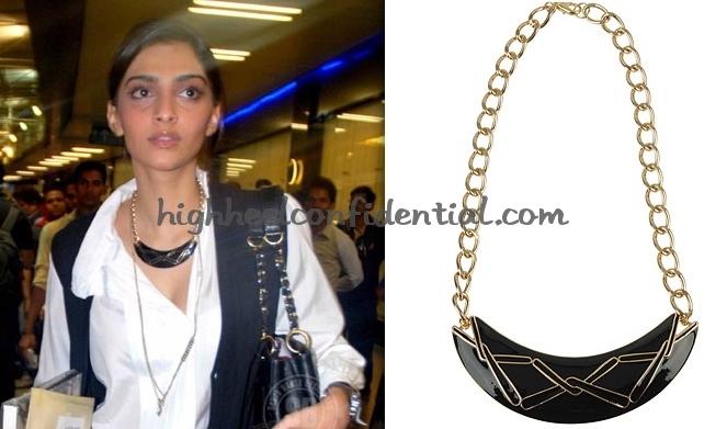 sonam-kapoor-mumbai-airport-iifa-forever-21-necklace