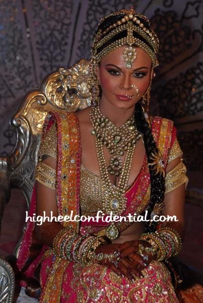 rakhi-sawant-swayamwar-kundan-jewellery