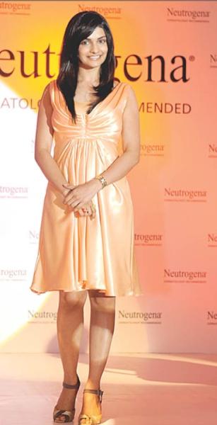 prachi-neutrogena-peach