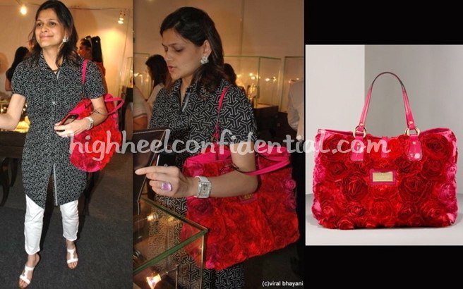 sahachari-foundation-charity-event-neerja-birla-valentino-bag