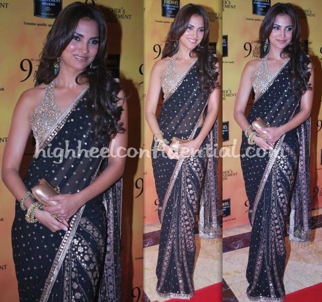 lara-dutta-teachers-awards-09-sari