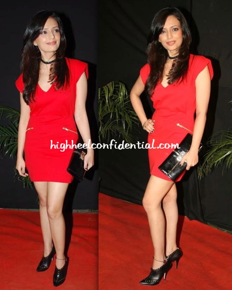 gr8-television-awards-09-roshni-chopra-fcuk-dress