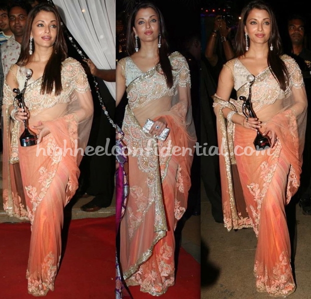 gr8-women-achiever-awards-2010-aishwarya-rai-bachchan-manish-malhotra-sari-1