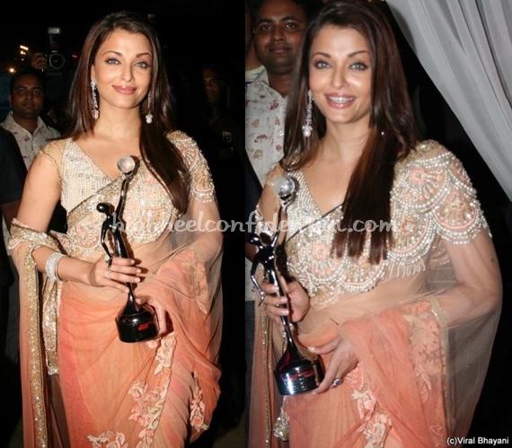 gr8-women-achiever-awards-2010-aishwarya-rai-bachchan-manish-malhotra-sari