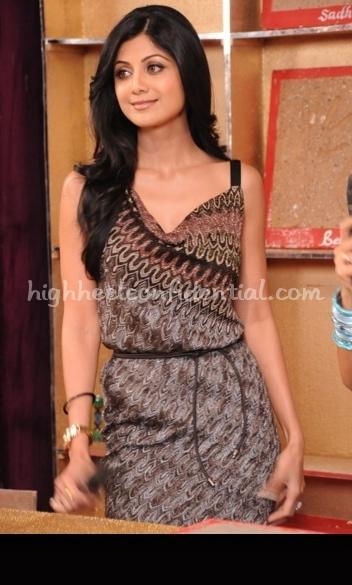 star-parivaar-awards-2010-shilpa-shetty-missoni-dress