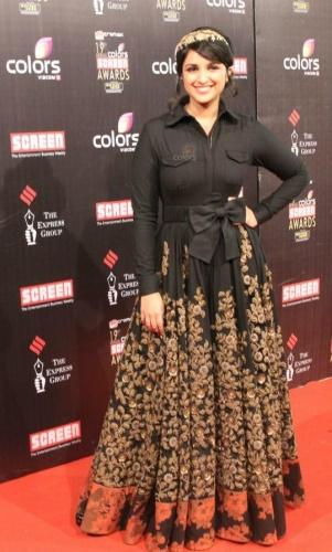 parineeti-chopra-sabyasachi-screen-awards-2013
