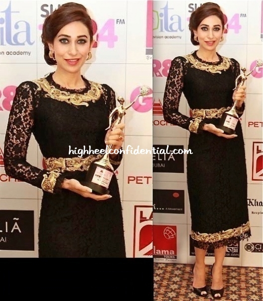 karisma-kapoor-at-gr8-womens-awards-2013-in-dolce-and-gabbana