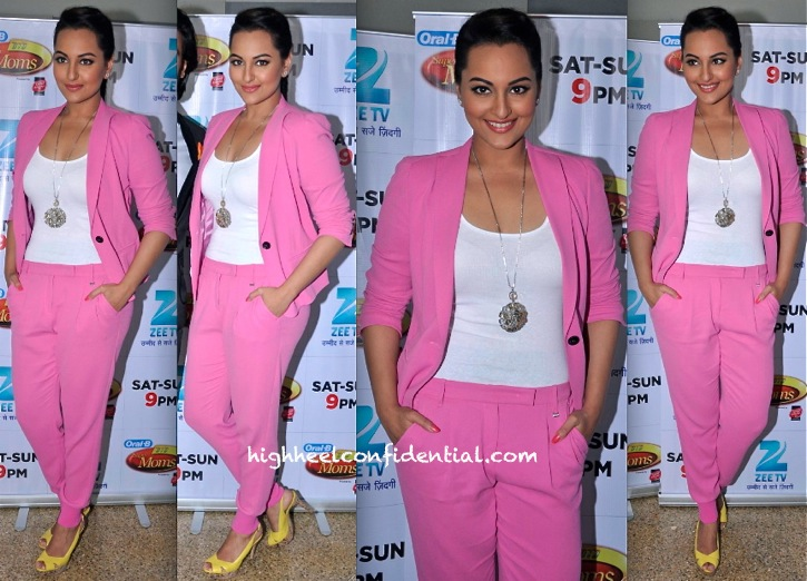 Sonakshi Sinha In Marc Cain On DID Super Moms Sets To Promote Lootera
