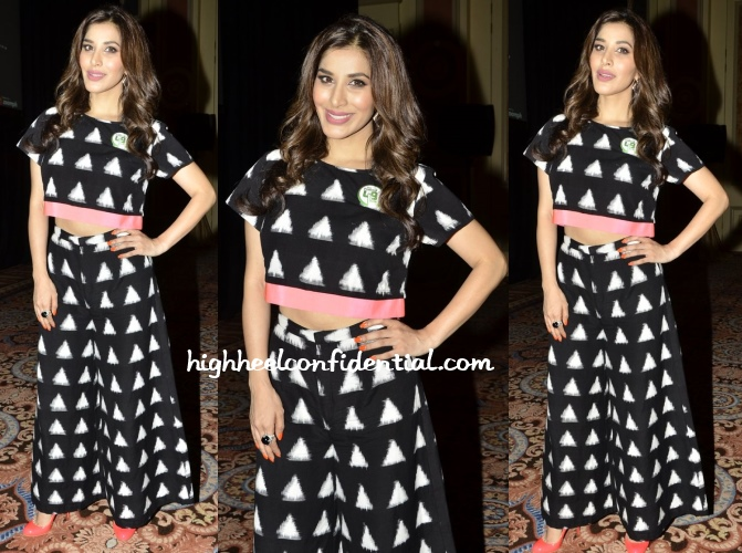 sophie-choudry-iifa-2013-macau-masaba-press-meet