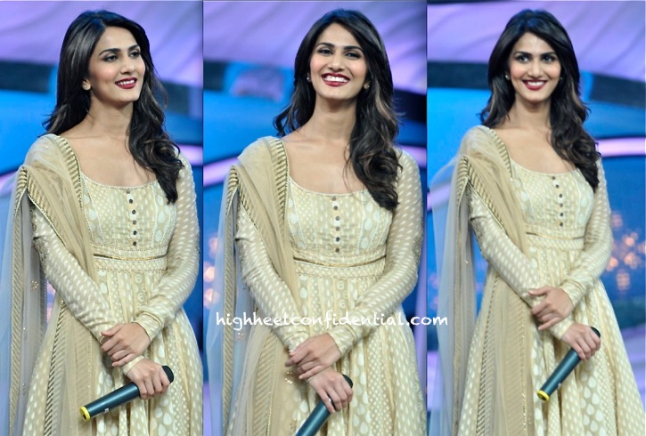 Vaani Kapoor In Tarun Tahiliani On The Sets Of Dance India Dance For Shuddh Desi Romance Promotion-2
