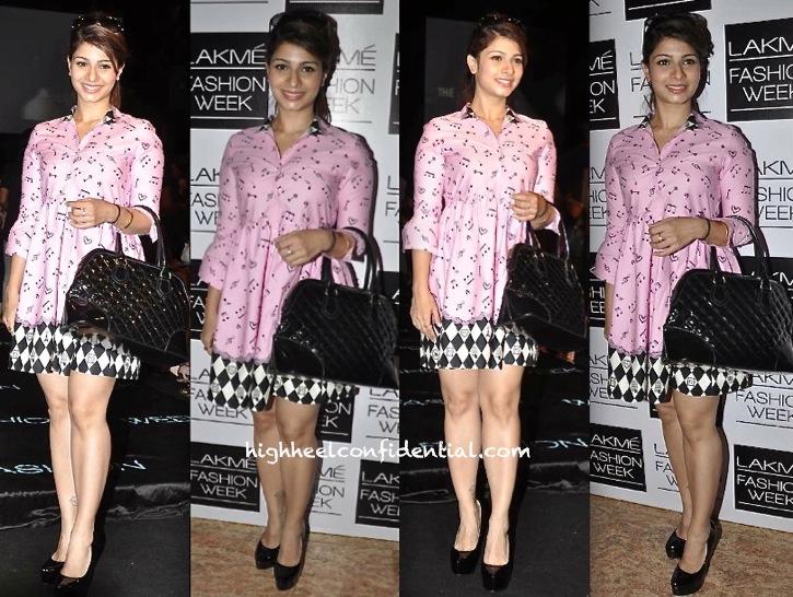tanisha mukherjee in nishka lulla at lakme fashion week winter festive 2013