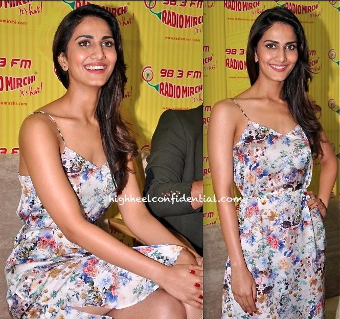 vaani kapoor in zara at radio mirchi for Shuddh Desi Romance promotion-1