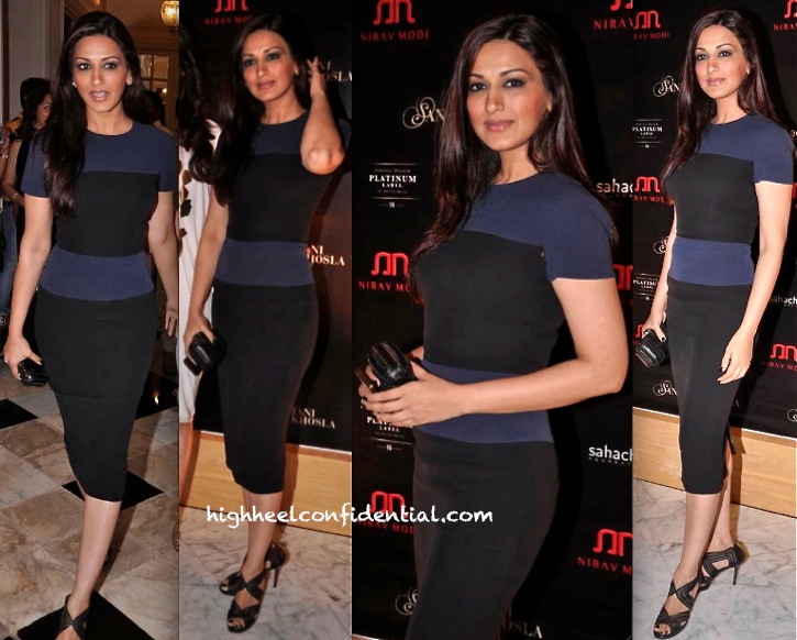 Sonali Bendre In Victoria Beckham At Abu Sandeep's 'The Golden Peacock' Show For Sahachari Foundation