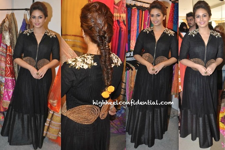 Huma Qureshi At The Times Lifestyle And Jewellery Exhibition Wearing Ridhi Mehra