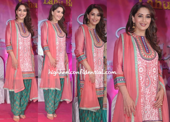 madhuri-dixit-pankaj-nidhi-gulaab-gang-press-meet
