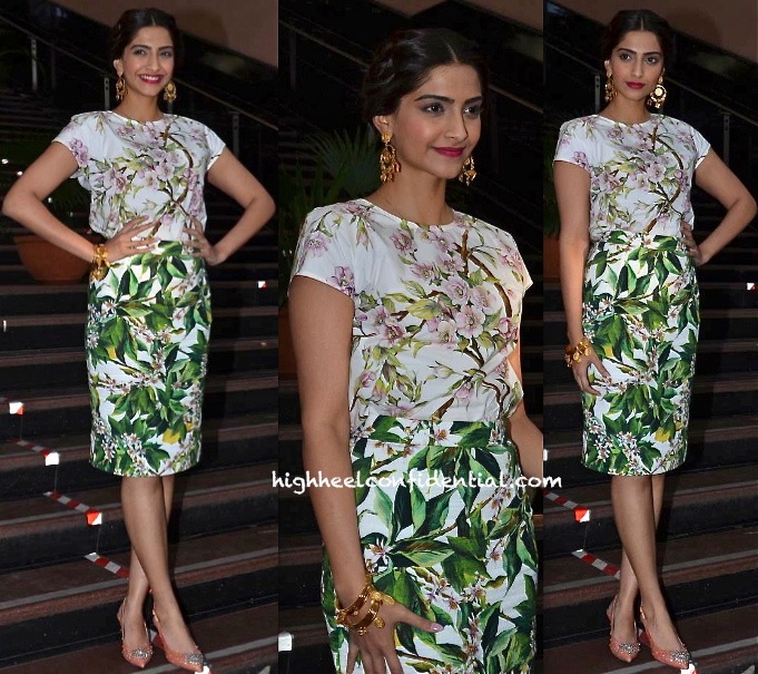 Sonam Kapoor In Dolce & Gabbana At 'Bewakoofiyan' Promotions-1