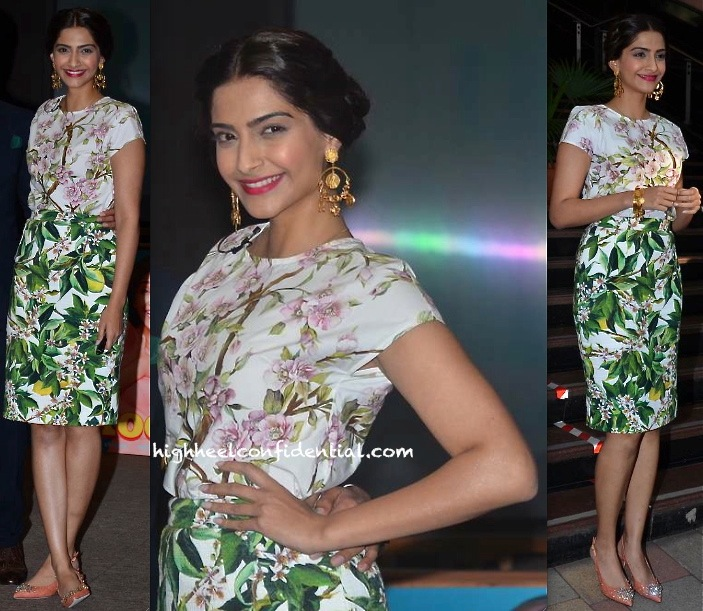 Sonam Kapoor In Dolce & Gabbana At 'Bewakoofiyan' Promotions-2