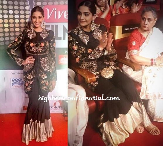 sonam-kapoor-anamika-khanna-filmfare-awards-east-2014