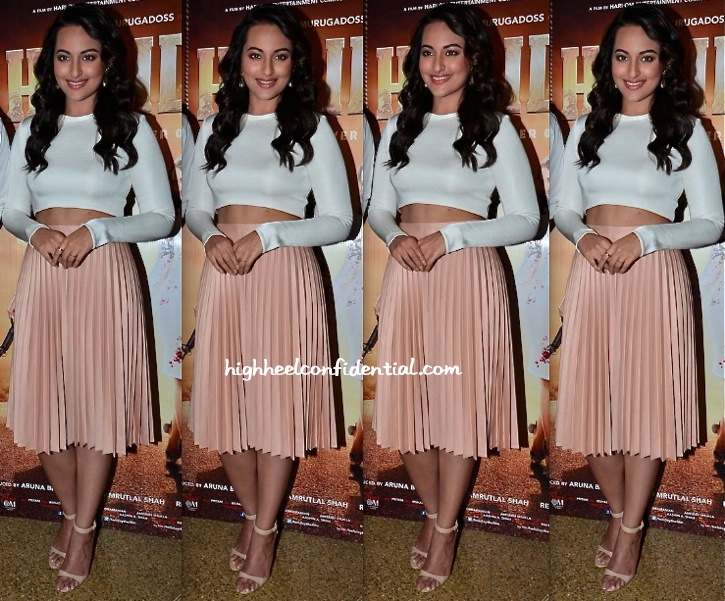 Sonakshi Sinha Wears Zara To 'DID Lil' Masters Sets' For 'Holiday' Promotions-1