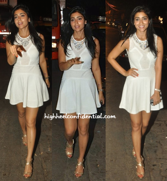 shriya saran photographed outside pali bhavan mumbai