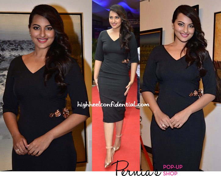 Sonakshi Sinha In Nikhil Thampi And Emporio Armani At Prafulla Dahanukar's Retrospective At Jehangir Art Gallery-2