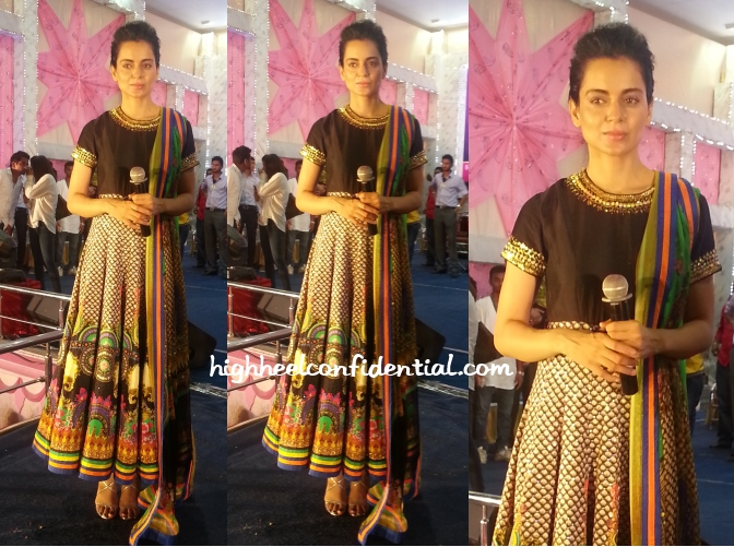 kangana-ranaut-manish-arora-surat-garba-celebrations