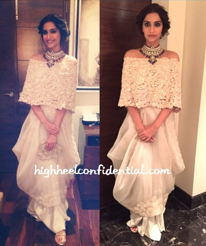 sonam-kapoor-anamika-khanna-diamond-conference-dinner
