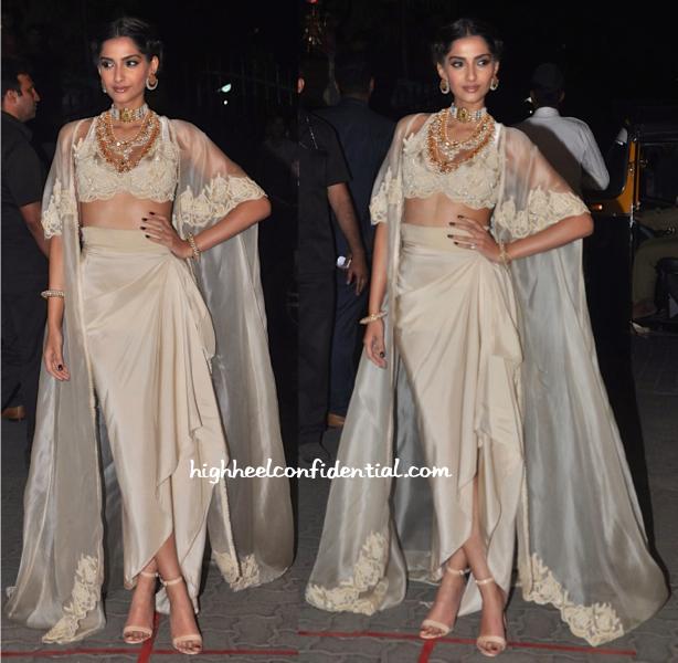 Sonam Kapoor at Filmfare Awards 2015-1