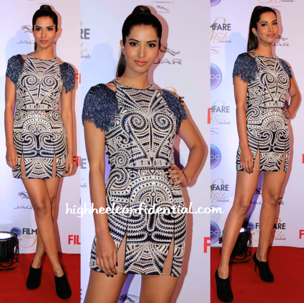 Manasvi Mamgai In Nachiket Barve At Filmfare Glamour And Style Awards 2015