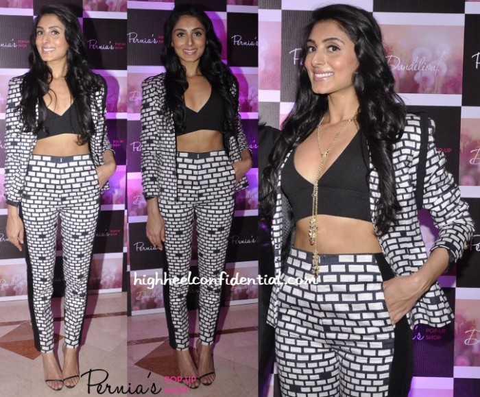 pernia-qureshi-urvashi-joneja-dandelion-launch-party