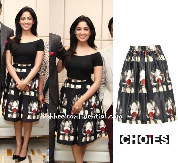 yami-gautam-badlapur-dubai-promotions-girl-skirt