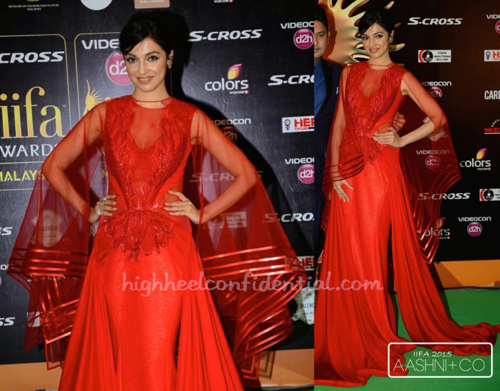Divya Khosla Kumar In Amit Aggarwal And Gehna Jewellers At IIFA 2015-2