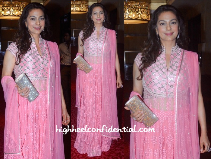 Juhi-Chawla-At-Navbharat-Times-Awards-In-Anita-Dongre-And-Anmol-700x530
