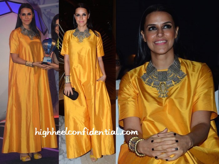 Neha-Dhupia-In-Payal-Khandwala-At-Lonely-Planet-Awards-2015-1-700x527