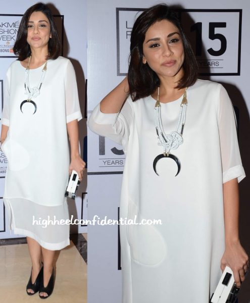 Amrita Puri In Lovebirds At LFW Winter Festive 2015