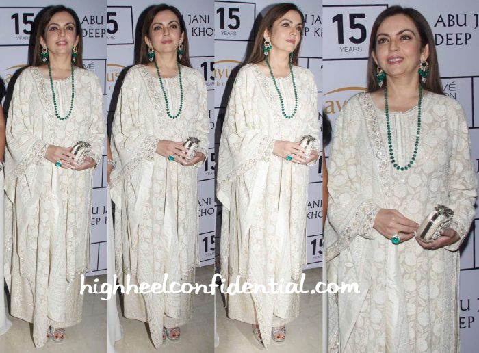Nita Ambani Wears Abu Jani Sandeep Khosla To The Duo's Show At Lakme Fashion Week 2015