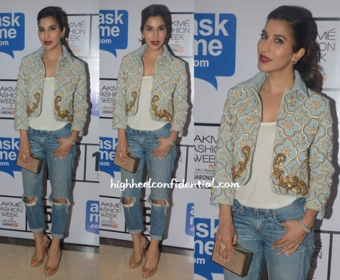 sophie-choudry-monisha-jaising-lakme-fashion-week-2015