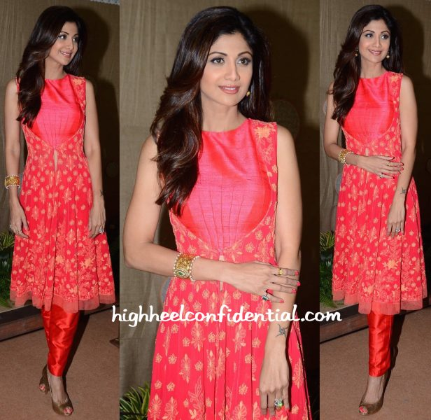Shilpa Shetty In Manish Malhotra And Anmol Jewellers At IMC Exhibition-1