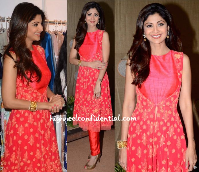 Shilpa Shetty In Manish Malhotra And Anmol Jewellers At IMC Exhibition-2