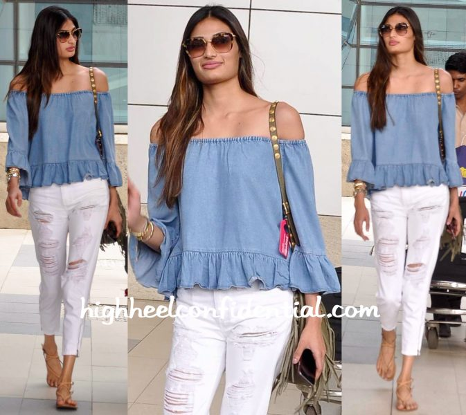 Athiya Shetty Photographed At The Airport-1