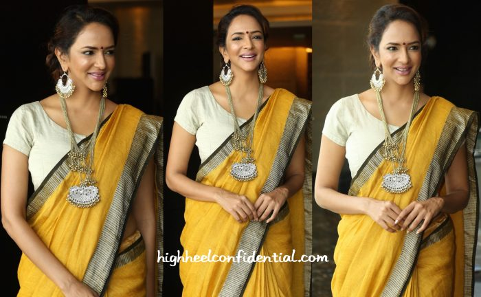 lakshmi manchu in anavila at 40 years mohan babu press meet-2