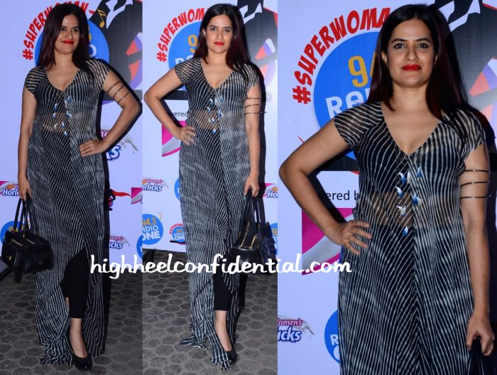 Sona Mohapatra In Anita Dongre At Radio One Super Women Event